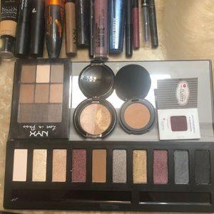 Make up lot .